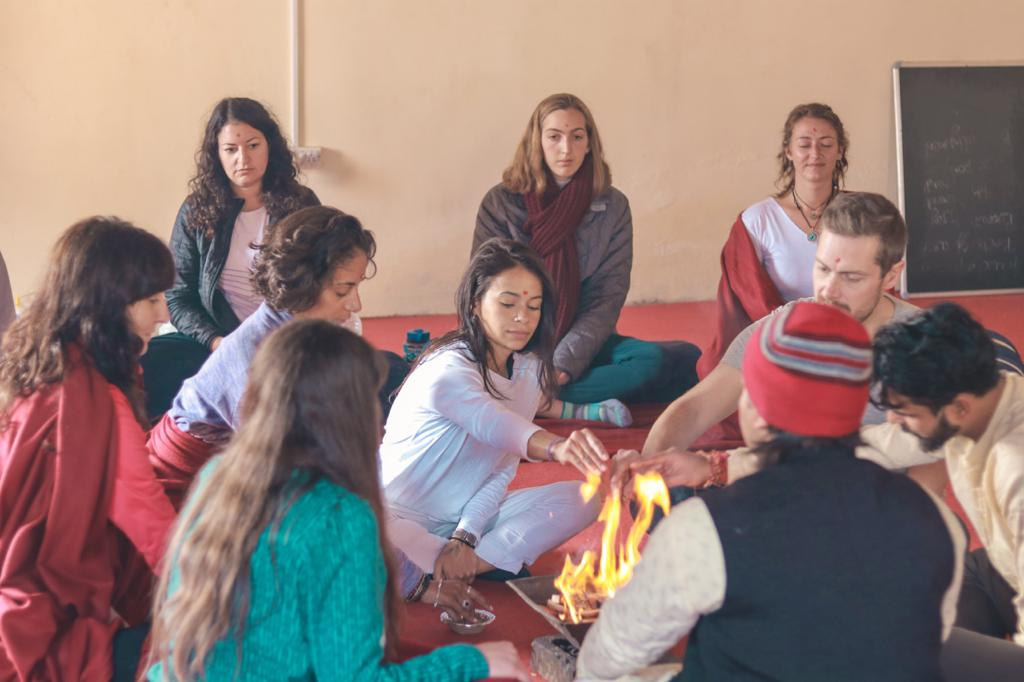 200 hour yoga teacher training course rishikesh